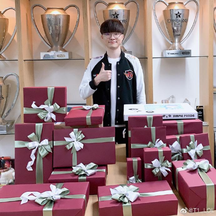 Faker生日临近 中韩粉丝提前送来礼物